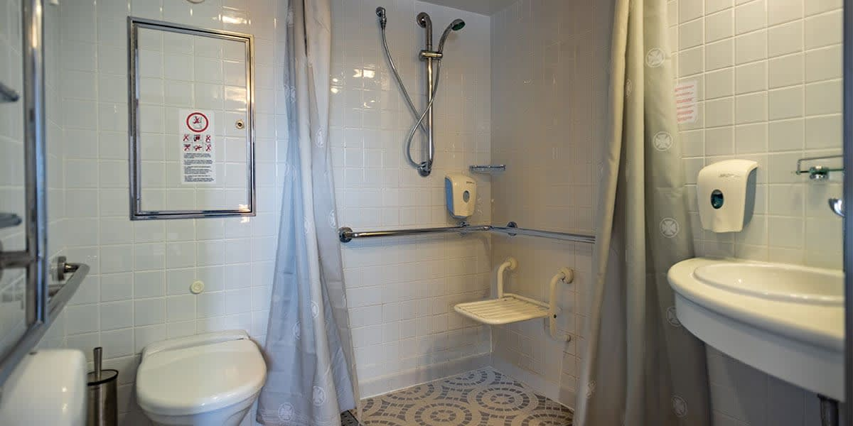 Bathroom in accessible cabin - Regina ferry
