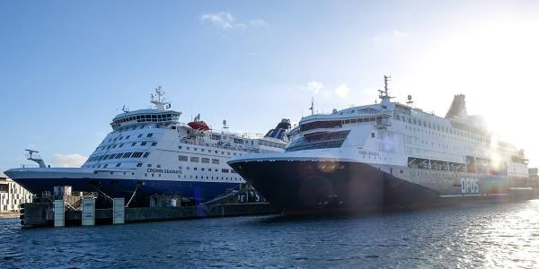 DFDS Crown & Pearl