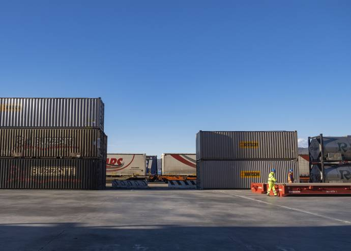 DFDS Containers - People working with containers