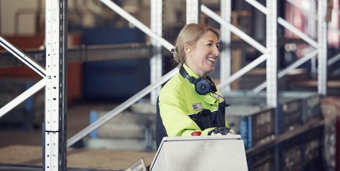 A DFDS employee inside a warehouse