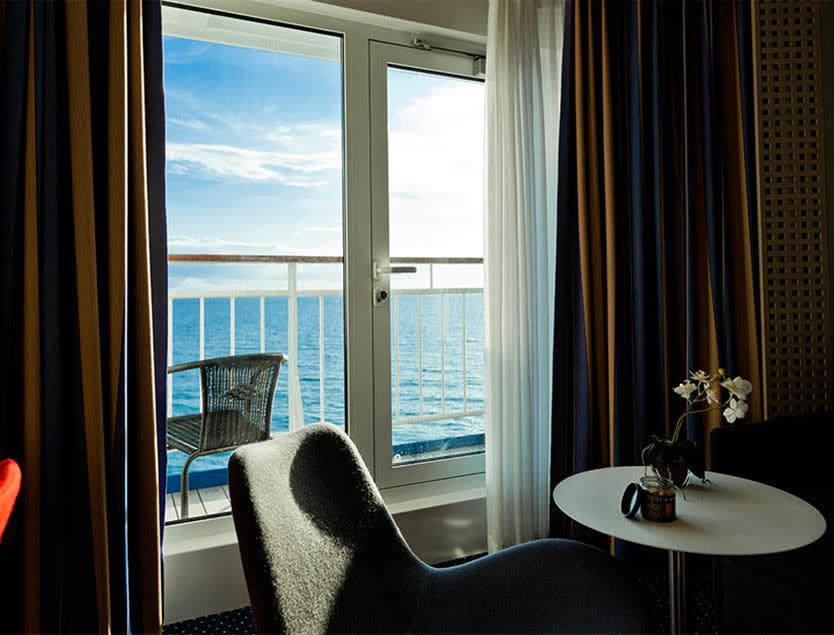 Commodore Balcony kahyt på Oslobåden Crown Seaways