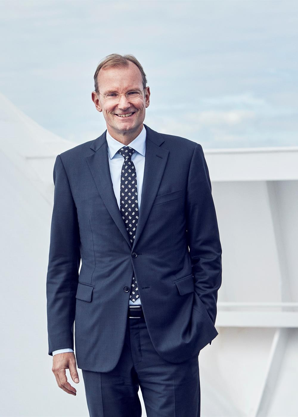 Inpage Niels Smedegaard management
