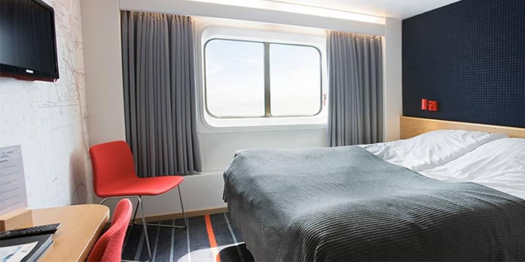 Commodore class cabin onboard Copenhagen-Oslo