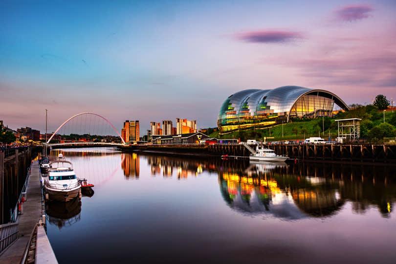 Hafen in Newcastle am Abend