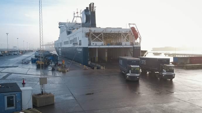 DFDS Ficaria Seaways unloading Gothenburg
