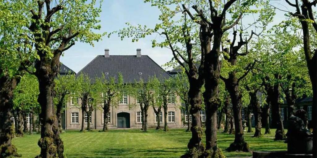 Copenhagen design museum - cafe