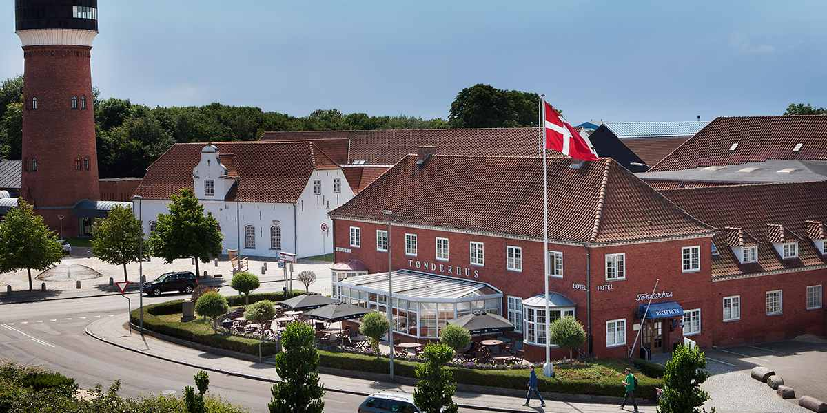 Small Danish - Hotel Tonderhus