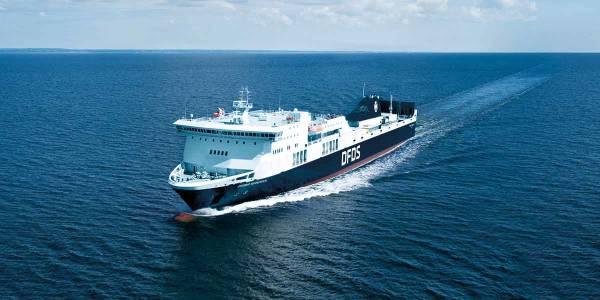 Regina Schiff auf dem Meer