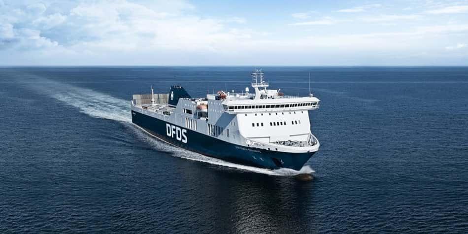 Prom Victoria Seaways na morzu