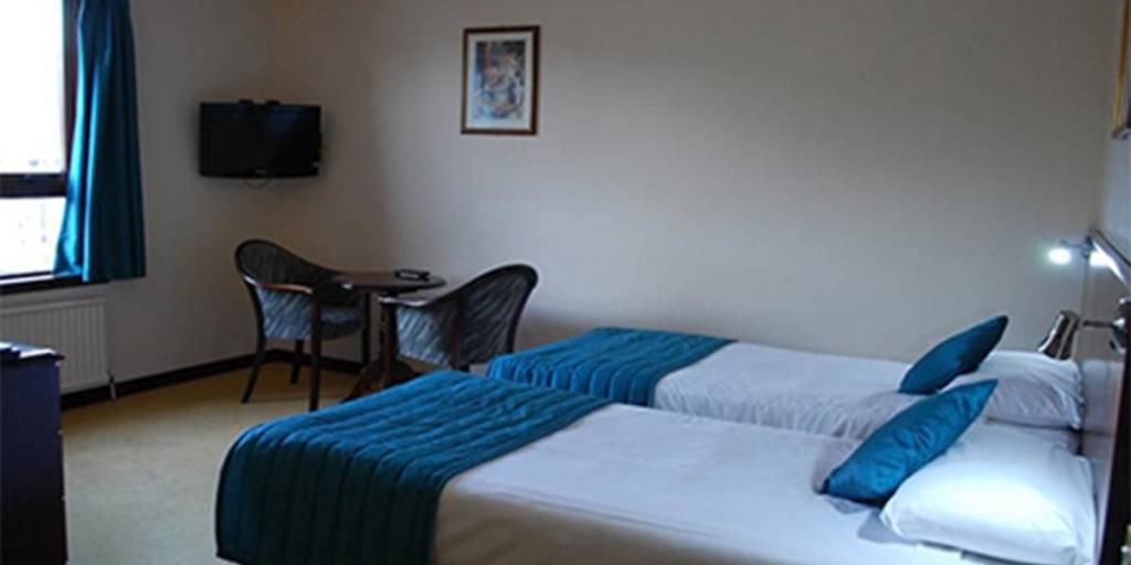 priory-hotel-room