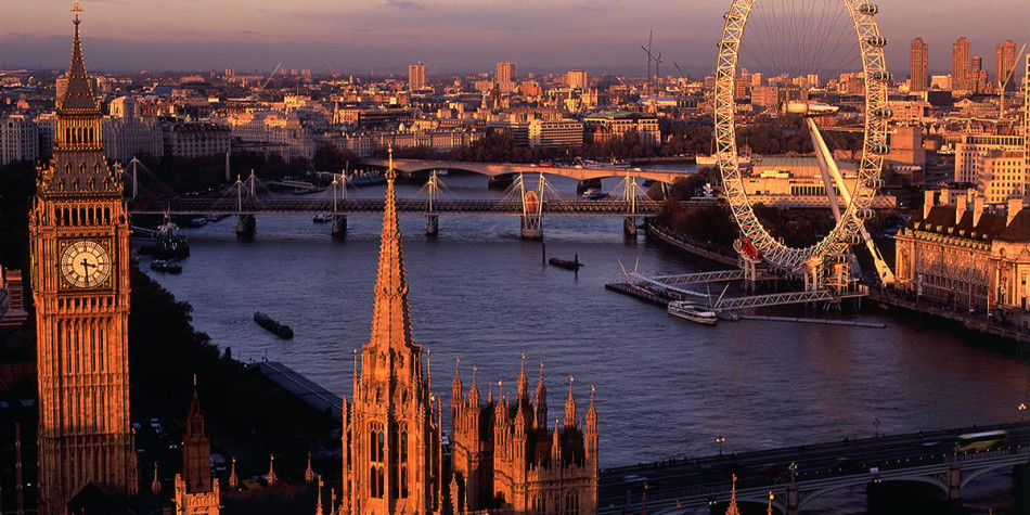 Le London Eye et Big Ben sur la Tamise