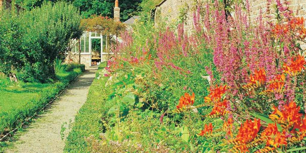 Wales-Gardens-P2-VisitWales