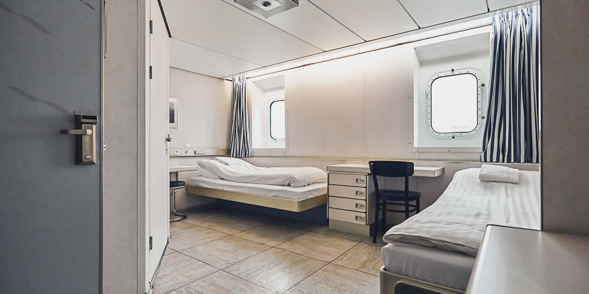Accessible cabin for disabled passengers