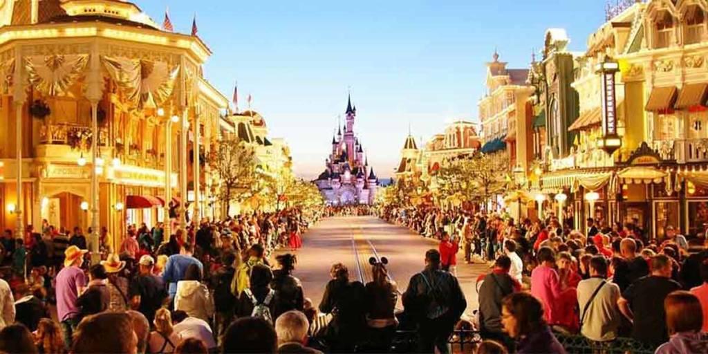 Disney-attractions-2-min