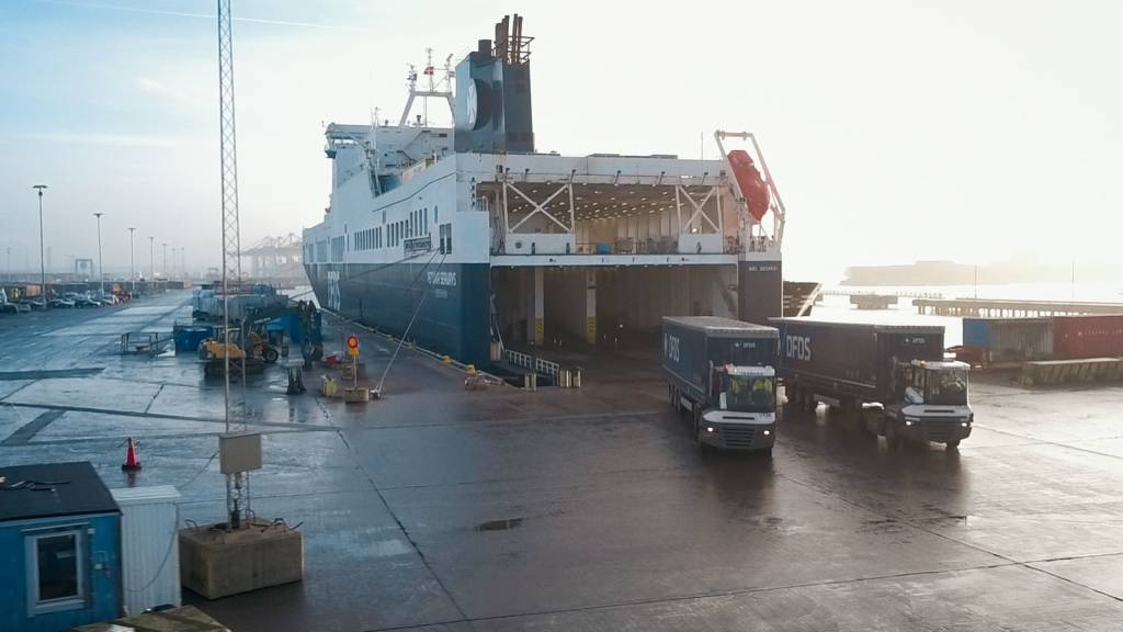 DFDS trucks and vessel - unloading