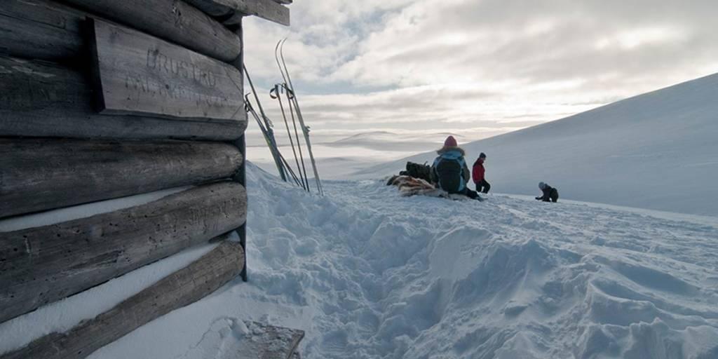 Afslapning og leg i sneen- Visitnorway.com