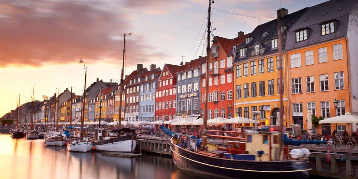 Nyhavn - båter i København