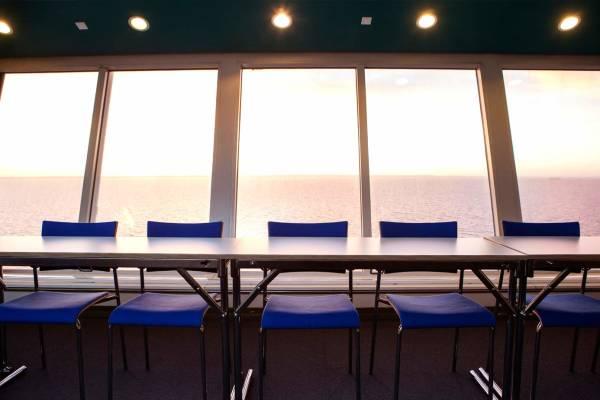 Utsikt fra konferanselokalene på et DFDS skip