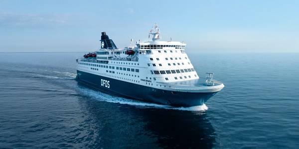 Crown at sea 2