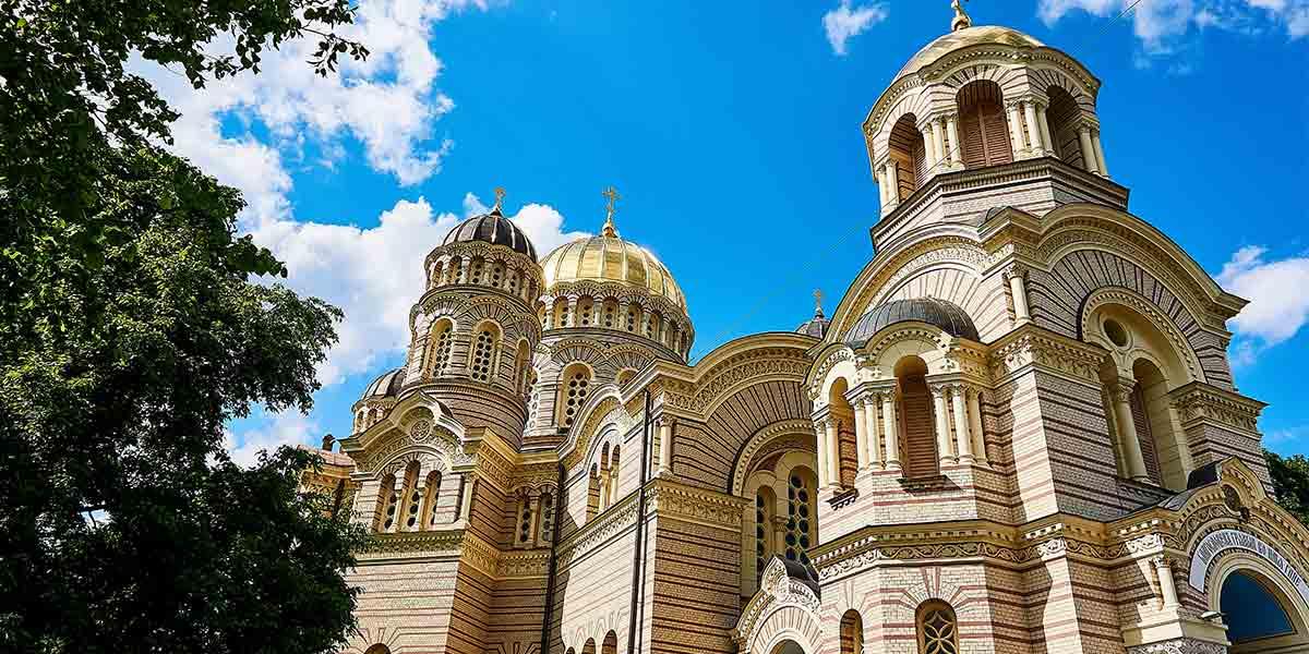 Nativity of Christ Cathedral Riga (NakNakNak-Pixabay)