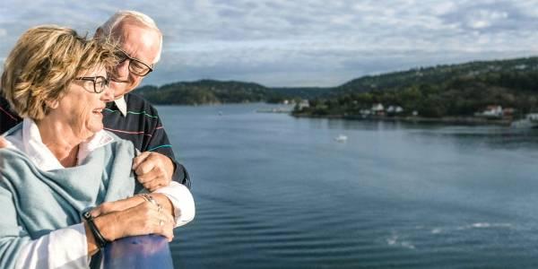 Elderly passenges in fjord