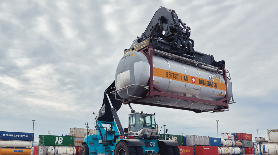 DFDS Logistics chemical deposit being lifted at the terminal