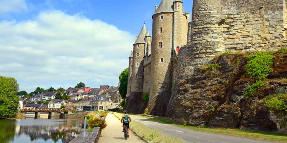 Cycle through European cities