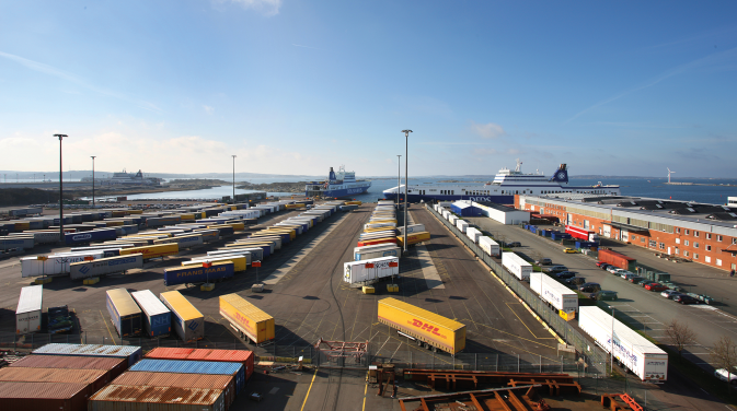 Panoramic view of a DFDS shipyard filled with shipping containers