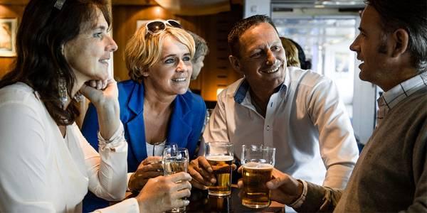 Venner i Navigators bar