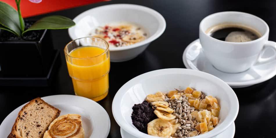 Explorers Kitchen Breakfast Newcastle to Amsterdam
