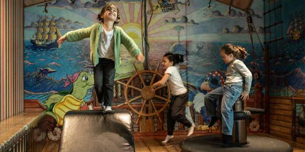 Børn i Pirates' Island