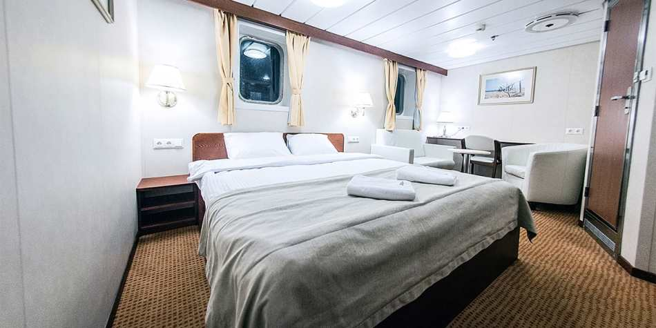 Commodore cabin on Athena ferry