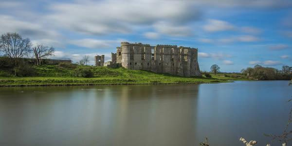 UNI 1200x600 castle in wales2
