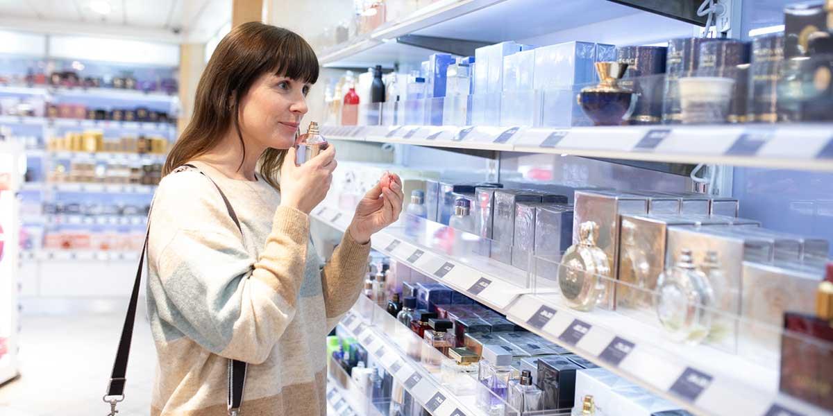 Parfyme shopping i tax free butikken