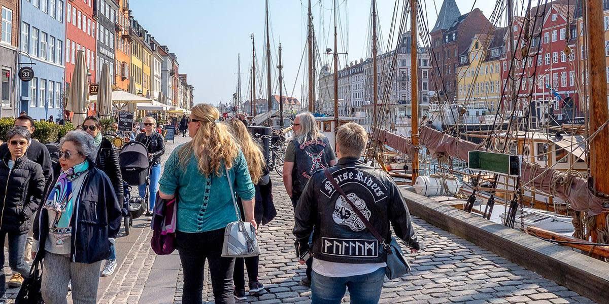 MC cruise - visiting Nyhavn