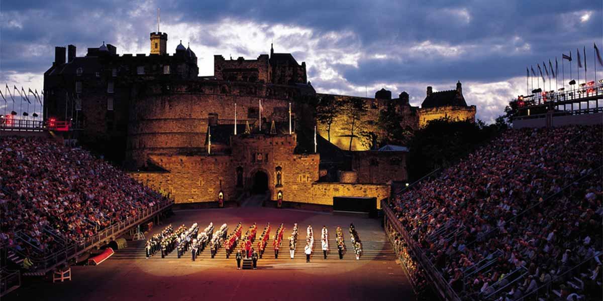 Edinburgh-castle-night