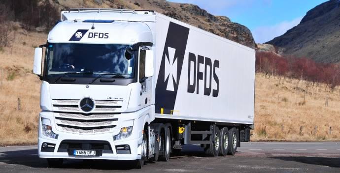 DFDS logistics truck