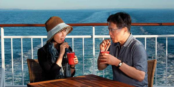 couple-on-deck-21-02-2019-1