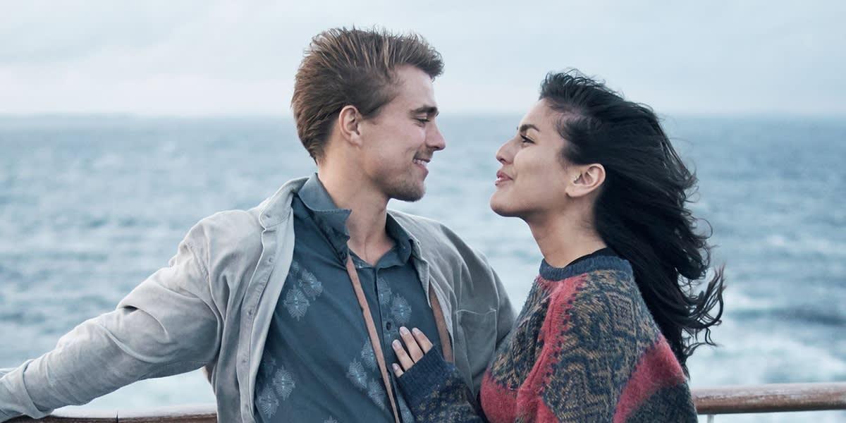 Couple on deck AKER-MINICRUISE 2