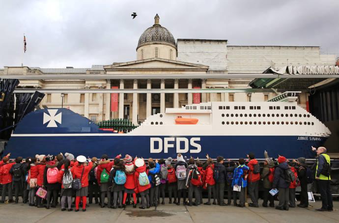 DFDS Lego Ship 04 150, Jubilee, Trafalgar Square, children