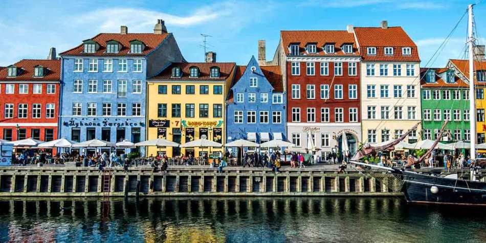 houses in Nyhavn Copenhagen