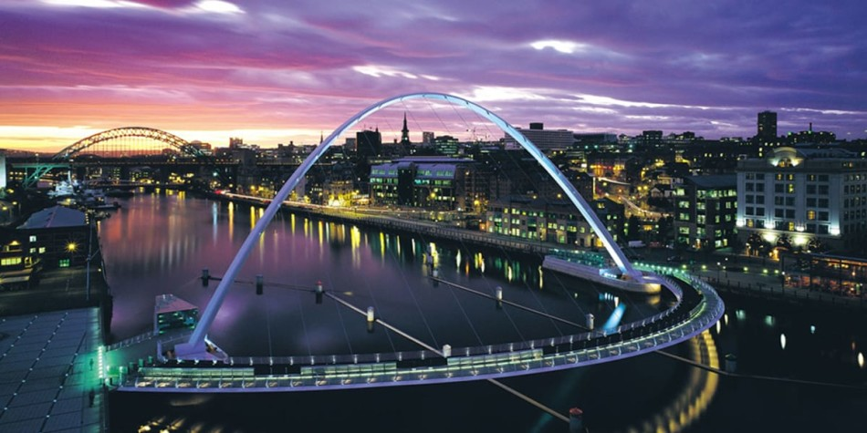 Newcastle Quayside Millenium Bridge at night