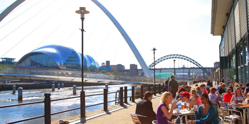 Newcastle city Quayside bars and restauranms