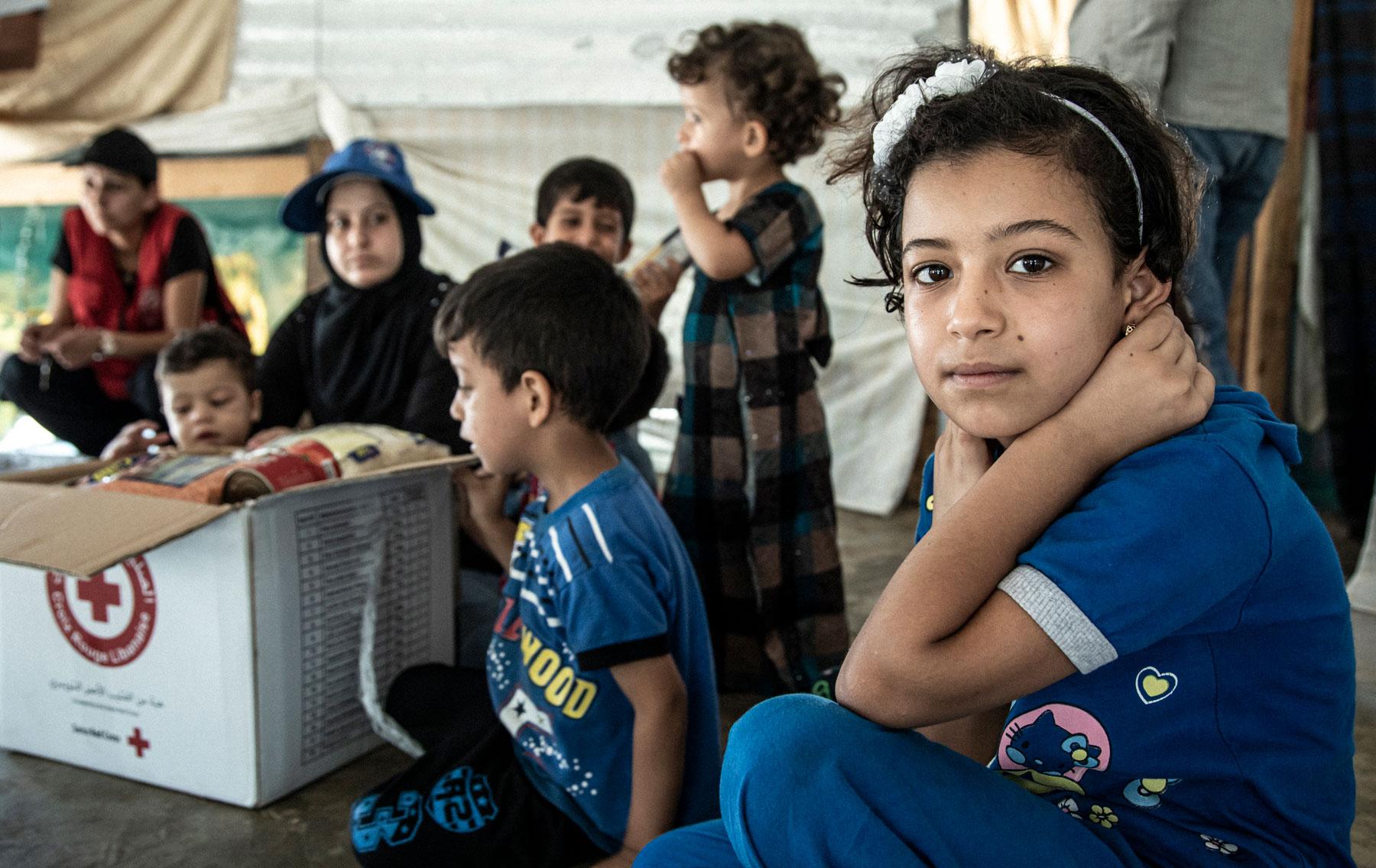Inass und ihre Familie kennen nur den trostlosen Alltag im Flüchtlingslager. © SRK, Monika Flückiger