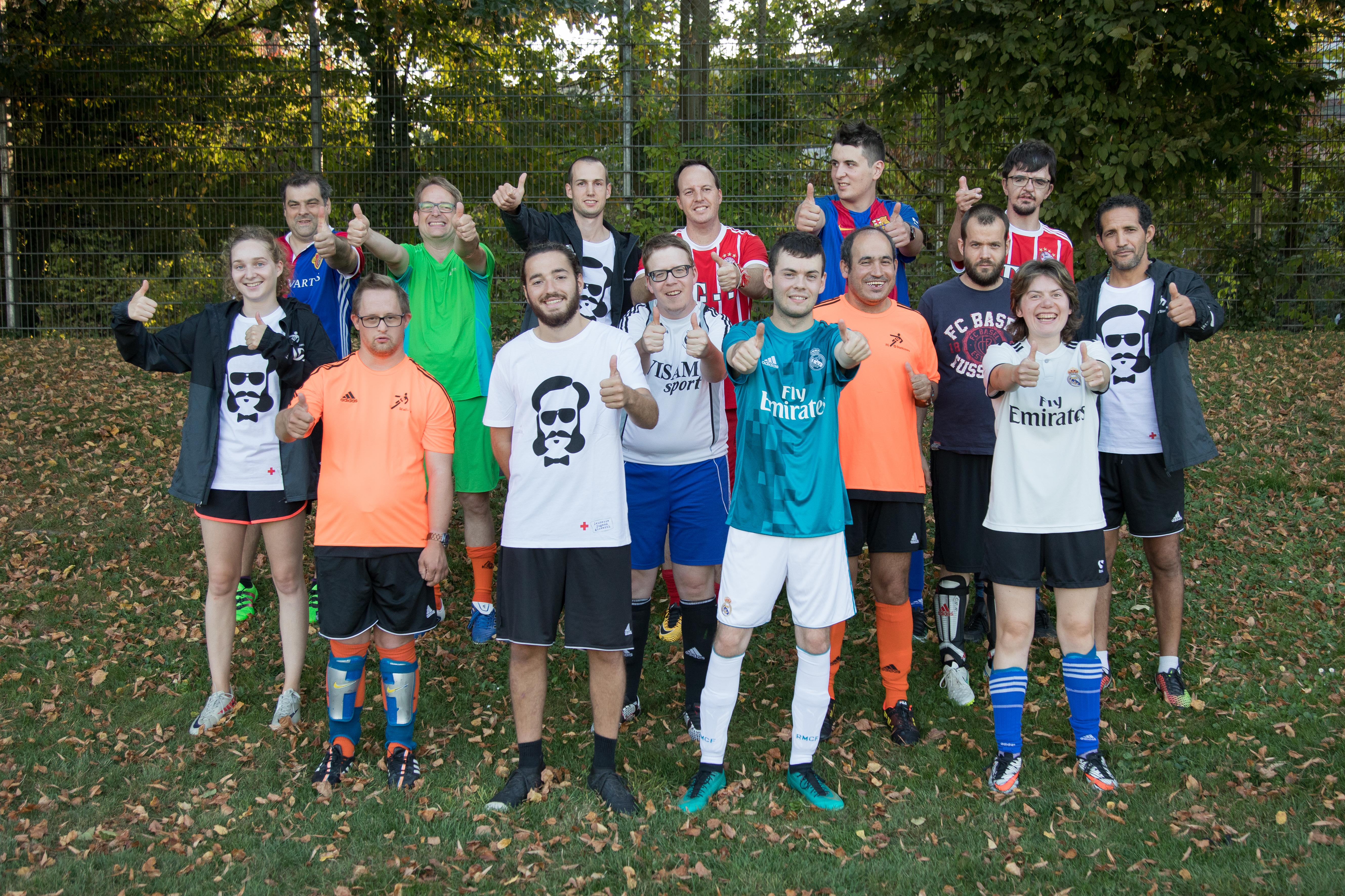Der mit 5000 Franken dotierte erste Preis ging an die Freiwilligen des FC Starkickers. Copyright: SRK, Roland Blattner