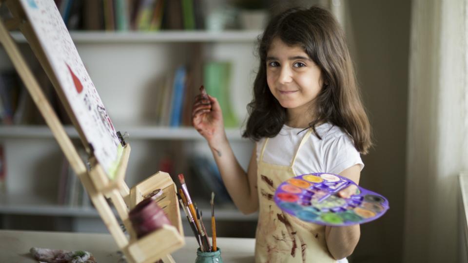 Zeichnen hilft, sich seiner Gefühle bewusst zu werden und ihnen Ausdruck zu verschaffen. (C) SRK / iStock (Symbolbild)