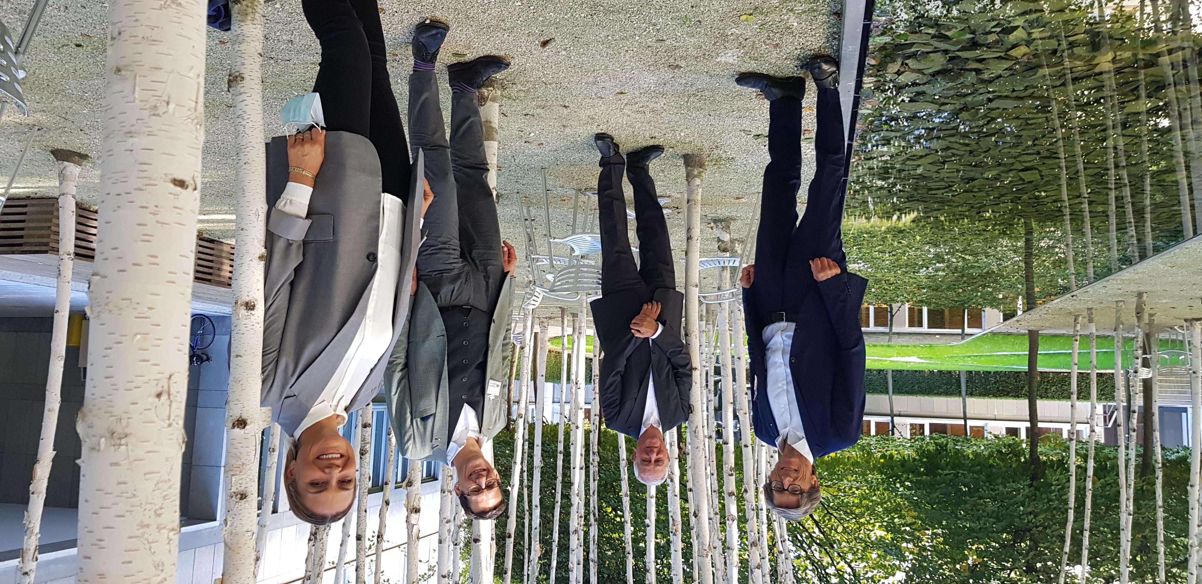 Partnermeeting in Pandemiezeiten auf dem Novartis Campus mit Thomas Heiniger (Präsident SRK), Jörg Reinhardt (Präsident Novartis), Markus Mader (Direktor SRK) und Isabel Dalli (Leiterin Sponsoring & Donations Novartis). Copyright: SRK, Dorothea Bergler
