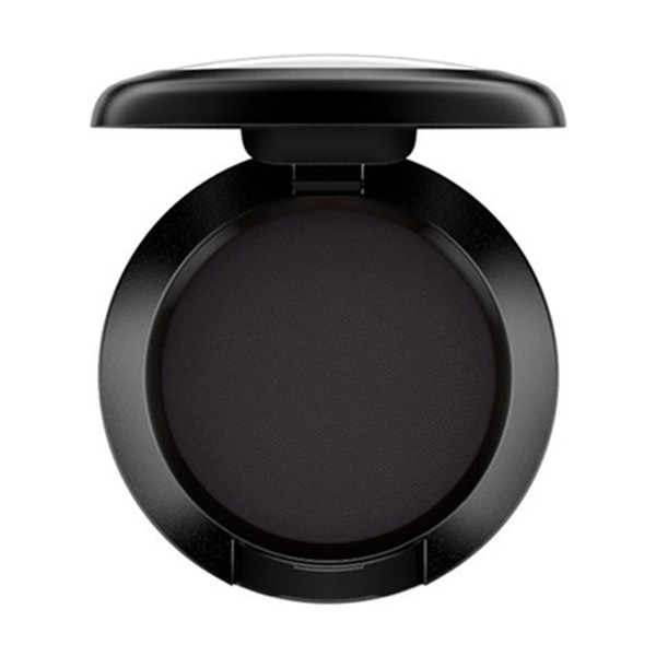 Mac eye shadow in carbon