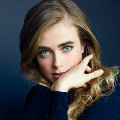 Currently Carrying | Melissa Roxburgh
