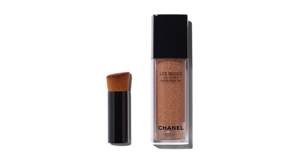 Chanel - Les Beiges Eau de Teint Water-Fresh Tint in Light Deep | Story +  Rain